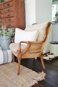The Deconstructed Chair Trend White Dining Chairs, Contemporary Dining Chairs, Old Chairs, Eames Chairs, Vintage Chairs, Living Room Chairs, High Chairs, Lounge Chairs, Dining Room
