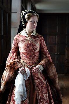 Mary I-Mary Tudor – Richard Jenkins Photography Mode Renaissance, Renaissance Costume, Renaissance Dresses, Renaissance Fashion, Medieval Dress, Medieval Clothing, Historical Costume, Historical Clothing, Historical Photos