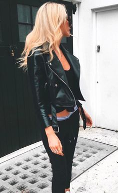 55 Chic Cardigan Outfits You Cant Go Wrong With - Outfit Trends Look Hippie Chic, Look Boho, Looks Street Style, Looks Style, My Style, Hair Style, Edgy Outfits, Mode Outfits, Fashion Outfits