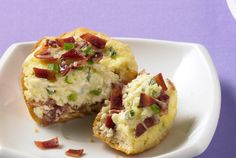 Cook and crumble 5 slices of JENNIE-O® Turkey Bacon and add to this yummy biscuit recipe that includes cream cheese, green onions, Swiss cheese, milk and eggs. It's always a good morning with turkey bacon! Easter Recipes, Brunch Recipes, Appetizer Recipes, Breakfast Recipes, Breakfast Time, Appetizers, Turkey Bacon Recipes, Turkey Meals, Low Calorie Recipes