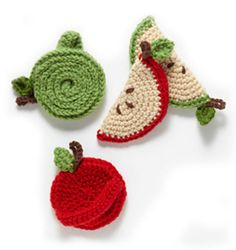 Spiral Apple Tawashi Scrubber :: Free Crochet Apple Patterns Roundup on Moogly! Crochet Kitchen, Crochet Home, Crochet Gifts, Diy Crochet, Crochet Things, Crochet Ideas, Crochet Lion, Knitting Projects, Crochet Projects