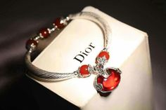 那拉时尚外单店,S925银泰国进口拉丝银手链,红玛瑙配珠,红刚玉如意吊坠。