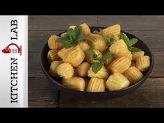 Greek syrupy churros – Tulumba by Greek chef Akis Petretzikis. Make easily and quickly this traditional and mouthwatering treat full of syrup! Greek Sweets, Yams, Churros, Fun Desserts, Food Videos, Sweet Treats, Traditional, Recipes, Syrup