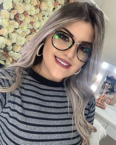 Cute Girl With Glasses, Cute Glasses, Rock Makeup, Hair Makeup, Brazil Model, Cute Girl Photo, How To Make Hair, Girl Photos, Close Up