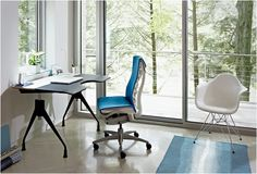 A home office with treetop view. The interior features Herman Miller Envelop Desk, Embody Chair and Eames Molded Plastic Armchair. Best Office Chair, Home Office Chairs, Home Office Furniture, Home Office Decor, Home Decor, Office Ideas, Furniture Ideas, Herman Miller, Miller House
