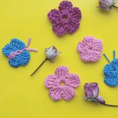Cross stitch Crochet food applique, Crochet food tutorial, C… Crochet Butterfly Free Pattern, Crochet Earrings Pattern, Crochet Flower Tutorial, Crochet Motif, Crochet Flowers, Easy Crochet Flower, Crochet Leaves, Crochet Yarn, Fabric Flowers