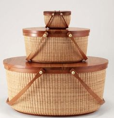 Treat yourself or a friend to our Unique and Distinctive Gifts and Jewelry ~ Inspired by the Sea Large: long x 14 wide x high Casas Country, Basket Weaving Patterns, Nantucket Baskets, Nantucket Style, Bamboo Crafts, Basket Decoration, Wicker Baskets, Picnic Baskets, Jewellery Storage
