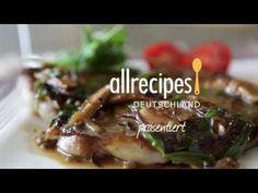 #Steak mit #Pilzsoße. Dieses Video zeigt, wie man Steak richtig brät und eine leckere Soße mit #Shiitake Pilzen und frischem Estragon zubereitet. Das Rezept zum Video gibts auf Allrecipes Deutschland: http://de.allrecipes.com/rezept/14819/steak-mit-pilzso-e.aspx
