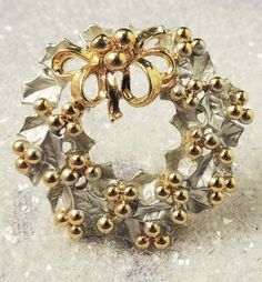 Beautiful Silver and Gold Enamel Christmas Wreath Brooch