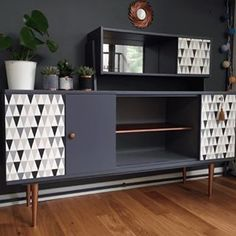 Old Wood Diy Home Decor Bookshelves 33 Ideas For 2019 G Plan Furniture, Mod Furniture, Refurbished Furniture, Repurposed Furniture, Furniture Makeover, Furniture Design, Retro Sideboard, Diy Holz, Furniture Restoration