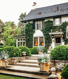 Home Interior, Interior Architecture, Interior And Exterior, Landscape Architecture, Landscape Design, Traditional Style Homes, H & M Home, Dream House Exterior, Classic House