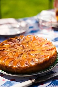 Torta invertida de duraznos