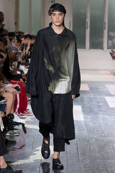 Yohji Yamamoto Spring 2018 Menswear Collection Photos - Vogue