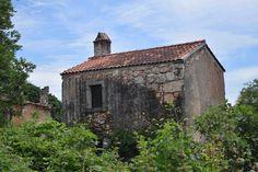 Haus im verlassenen Dorf Niska auf #Cres, #Kroatien