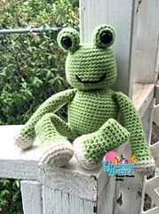 #Freddie the #Frog #Ami #crochetpattern by Gramma Beans #amigurumi #handmade #mmmakers #fantasy #prince #green #softee #babies #photography