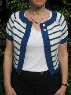Simple Raglan Cardi by Lion Brand Yarn Free Pattern:  http://www.ravelry.com/patterns/library/simple-raglan-cardi
