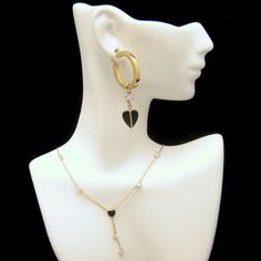CLASSY GOLD AND ONYX! This glorious gold and onyx necklace and large hoop earrings fit the bill when only the best will do. $625  View More Vintage Jewelry Sets in My Shop:  https://www.etsy.com/shop/MyClassicJewelry?section_id=13109955 :)