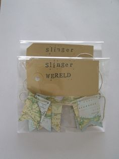 Recycled paper bunting/garland Map (packaging) - Papieren slinger hergebruikt papier Wereldkaart (verpakking) - Creations by Corline