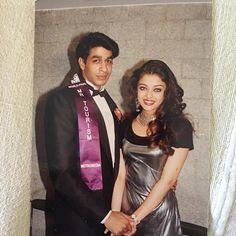 Throwback with @aishwaryaraibachchan_arb  #aishwaryarai #tbt #throwback #smile #cute  #photooftheday #lookoftheday #beautiful #bestoftheday… Aishwarya Rai Photo, Actress Aishwarya Rai, Aishwarya Rai Bachchan, Bollywood Actress, Bollywood Stars, Bollywood Cinema, Shah Rukh Khan Movies, Shahrukh Khan, Beautiful Girl Indian
