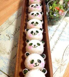 Panda de Hanami von misawa (❁honami❁) am - Gourmet-Rezepte Kawaii Bento, Cute Bento, Japanese Food Art, Japanese Dishes, Panda Food, Panda Sushi, Cute Food, Yummy Food, Kawaii Cooking