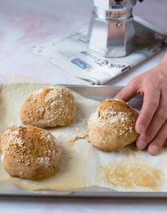Levain Rolls - Levain-sämpylät Sourdough Recipes, Easy Bread Recipes, Flax Seed Oatmeal, Vegan Bread, Original Recipe, Recipe Using, Tray Bakes, Cooking Time, A Food