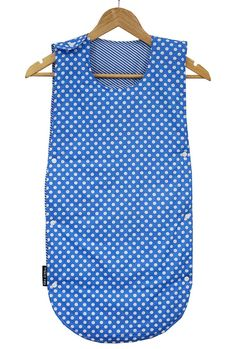 This baby travel sleeping bag makes you and your baby happy while traveling. its snap fastener design proves very beneficial during diaper changing time.