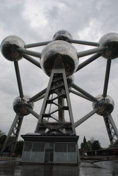 Atomic artwork in Brussels