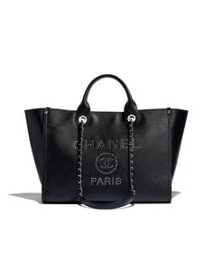 Handbags of the Spring-Summer 2018 Pre-Collection CHANEL Fashion collection : Large Shopping Bag, grained calfskin & silver-tone metal, black on the CHANEL official website. Burberry Handbags, Chanel Handbags, Luxury Handbags, Handbags On Sale, Purses And Handbags, Latest Handbags, Tote Handbags, Chanel Purse, Chanel Chanel