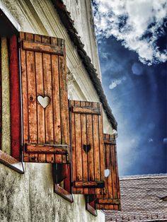 — hardsadness: windows by cristilaceanu