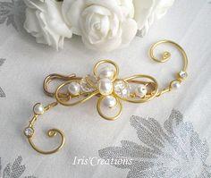 Attache traine Elégance dorée perles renaissance blanches cristal et strass de swarovski