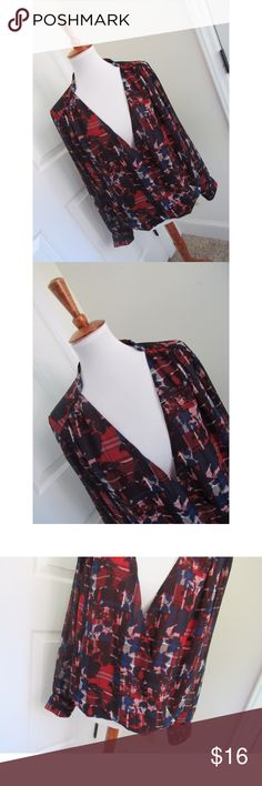 Vince Camuto printed blouse Size M Vince Camuto Tops Blouses