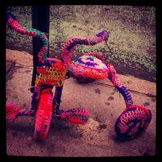 #yarnbombing Instagram photos | Webstagram
