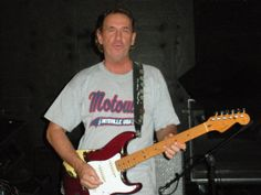 Ric Archer lead guitar for Temptations Review.  Also teaches at Archer Guitar School in B'ham,Al.