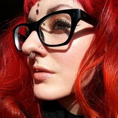 redhead, triple nostril, septum, medusa, bridge, dermal piercings Tattoo E Piercing, Dermal Piercing, Body Piercings, Peircings, Upper Lip Piercing, Piercing Chart, Piercing Ideas, Septum Ring, Girls With Nose Rings