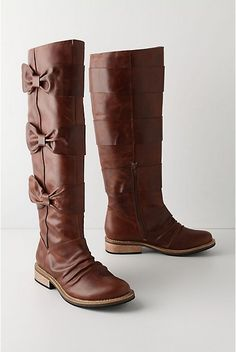 boots with bows.look jean I found the perfect brown boots! Cute Shoes, Me Too Shoes, Looks Style, My Style, Hair Style, Look Jean, Bow Boots, Fall Boots, Cowboy Boots