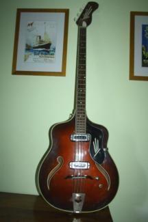 alte halbakkustik Bassgitarre Bass / Gitarre ca 1965 in Berlin - Pankow | Musikinstrumente und Zubehör gebraucht kaufen | eBay Kleinanzeigen