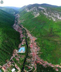 Romania Facts, Turism Romania, Romania Travel, Bucharest Romania, Tourist Places, Places To Travel, Places To See, Wonderful Places, Beautiful Places