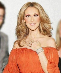 So fresh and pretty, Celine Dion. I love this top/dress. Celine Dion, Kylie Minogue, Carlos Mendes, Quebec, Victoria, Fashion Moda, Female Singers, Short Girls, Role Models