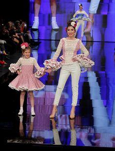 SIMOF 2018: el desfile de Sara de Benítez, en fotos / Raúl Doblado Cute Dresses, Girls Dresses, Cute Outfits, Plus Size Fashion, Harajuku, Kids Fashion, Daughter, Clothes, Families