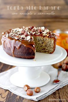 Banana cake with hazelnuts and caramel sauce @latanadelconiglio
