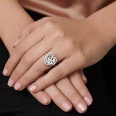 Inspiration for Jennifer's ring.