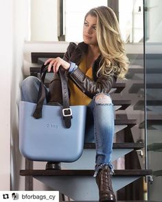 "O-Bags Design your own bag. The brand O bag stems from the incredible success of the iconic and customizable bag in ""EVA"" rubber. Available in a dizzyingly vast rang… O Bag Classic, Fashion Handbags, Fashion Bags, My Bags, Purses And Bags, Work Bags, Cloth Bags, Beautiful Bags, Hobo Bag"