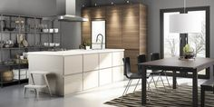 From Nature to Home, and IKEA Kitchen trends 2018 Ikea New Kitchen, Kitchen Dinning, Kitchen Interior, Scandinavian Style, Voxtorp Ikea, Kitchen Trends 2018, Wood Slat Wall, Modern Kitchen Design, Furniture Styles