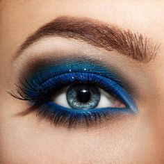 Eye Makeup Blue, Hooded Eye Makeup, Natural Eye Makeup, Eye Makeup Tips, Smokey Eye Makeup, Beauty Makeup, Makeup Ideas, Makeup Hacks, Bright Makeup
