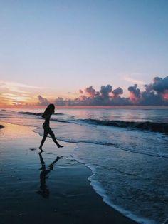 summer sunset travel far and often Summer Pictures, Beach Pictures, Sunrise Pictures, Summer Photography, Photography Poses, Travel Photography, Pinterest Photography, Nature Photography, Fashion Photography