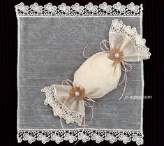 50 Karamela lace burlap favors Wedding bombonieres by eAGAPIcom