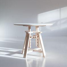Astructure bord fra Department. Ett stort bord i skandinavisk design, og med vakkert formspråk ...