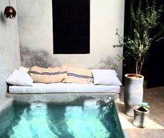 Backyard plunge pool with reading nook Riad Marrakech pool Exterior Design, Interior And Exterior, Cosy Interior, Interior Work, Outdoor Spaces, Outdoor Living, Outdoor Lounge, Jacuzzi Outdoor, Pool Lounge
