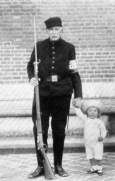 O Conde d'Eu com o seu neto, o príncipe Pedro Gastão de Orléans e Bragança