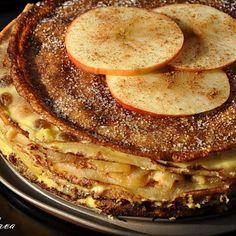 Cornuri moi si pufoase | Retete culinare cu Laura Sava - Cele mai bune retete pentru intreaga familie Just Desserts, Pancakes, French Toast, Mai, Cheesecake, Sweets, Breakfast, Kitchens, Canning